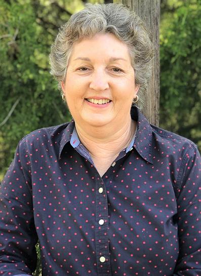 headshot Lynn Davis